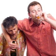 photodune-2825617-drunken-men-drinking-alcohol-xs